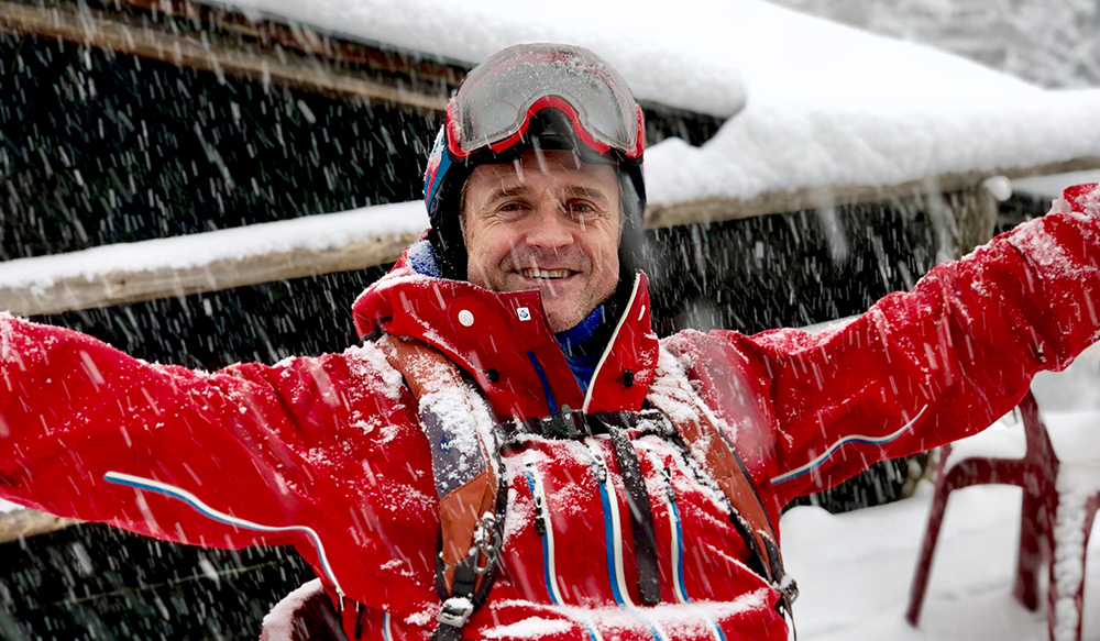 Happy i snøen_Ole Kvelstad