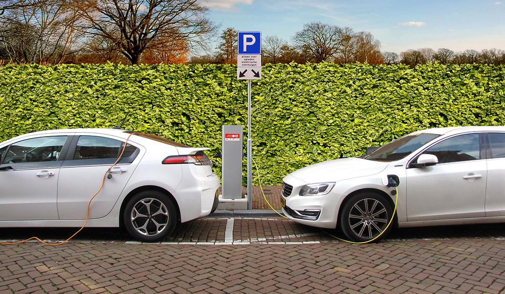 ladepunkt for elbil og ladbar hybridbil